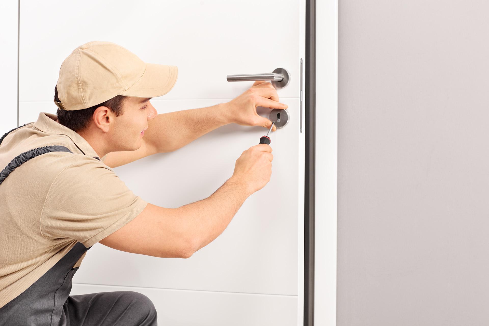 Otevírání domů a bytů bez poškození - Nonstop zámečnická pohotovost